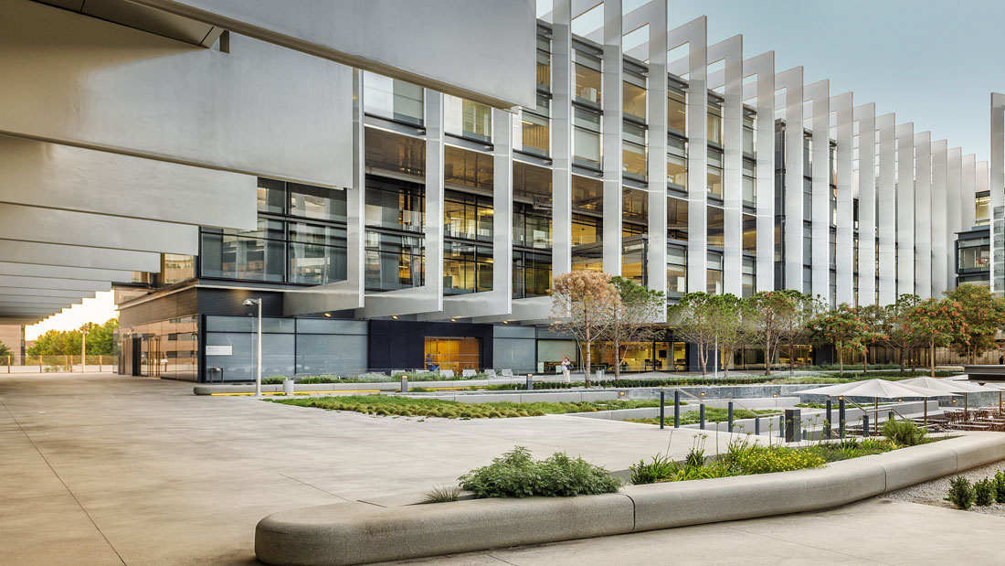MONTEX Montajes Industriales y Soldadura - Montaje Fachada Muro Cortina Vidrio Edificio Oficinas